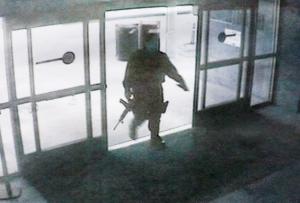 FBI-police-probe-gunmans-background-in-Santa-Monica-rampage-latimes.com-2013-06-08-20-53-06-300x203