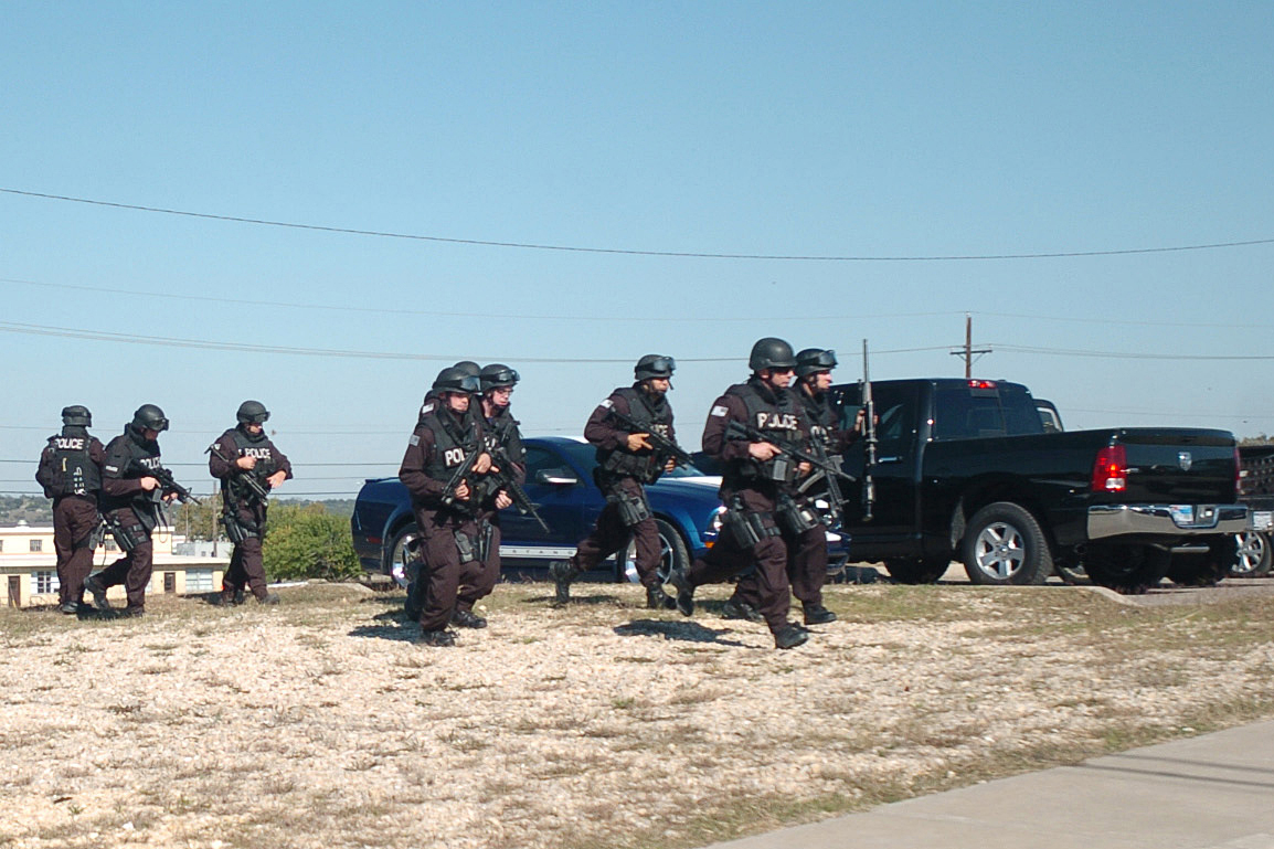 Flickr_-_The_U.S._Army_-_SWAT_Teams_at_Fort_Hood