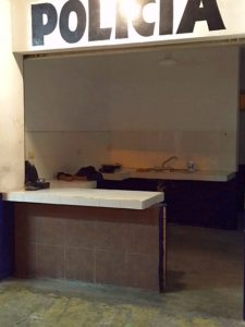 Look closely at this police substation in downtown Cancun. There is a female police officer passed out asleep with her head on the desk...must be a pretty dangerous spot.