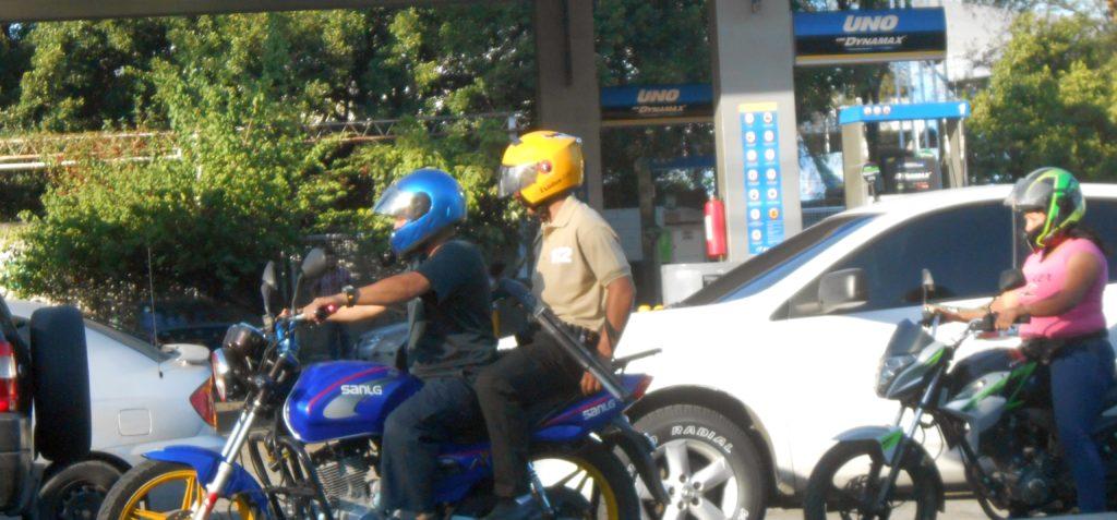 """Literally """"riding shotgun"""" San Salvador"""