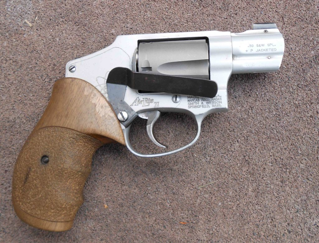 Clipdraw mounted on S&W 342